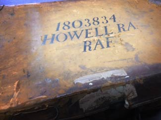 valise pilote Howell adjudant pilote chasse britannique Royal Air Force fighter